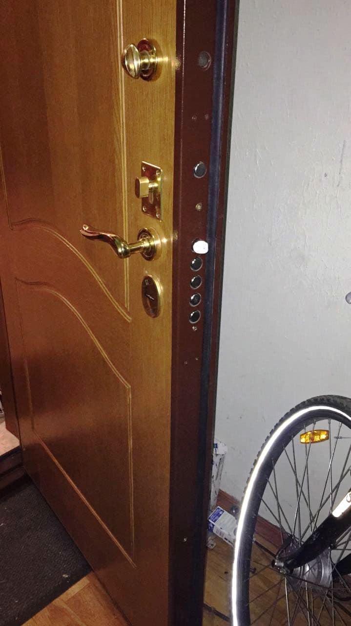 Входная металлическая дверь, моноблок Mottura (Моттура) и дверная ручка Hoppe (Хоппе)
